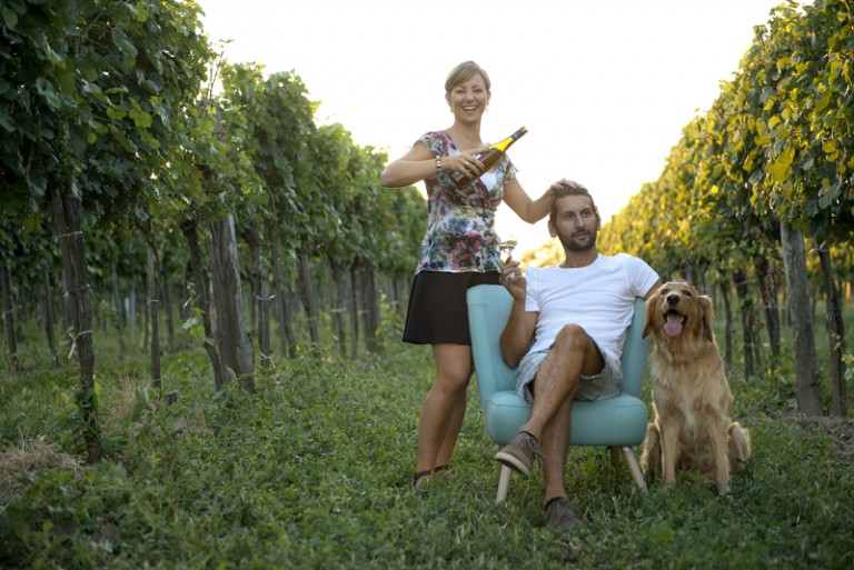 Martin-Diwald-family-in-the-vineyards-768×513