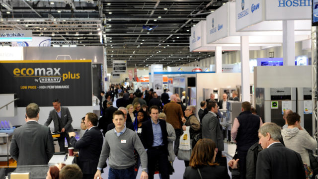 Hotelympia-2016-Busy-Halls
