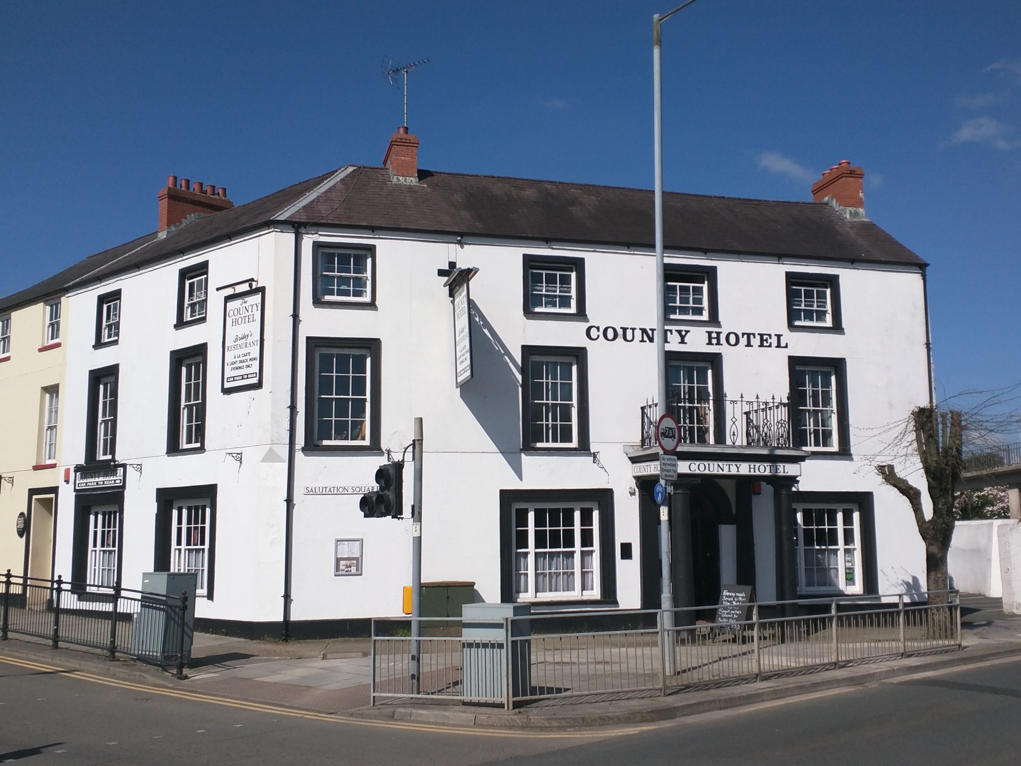 County Hotel hires