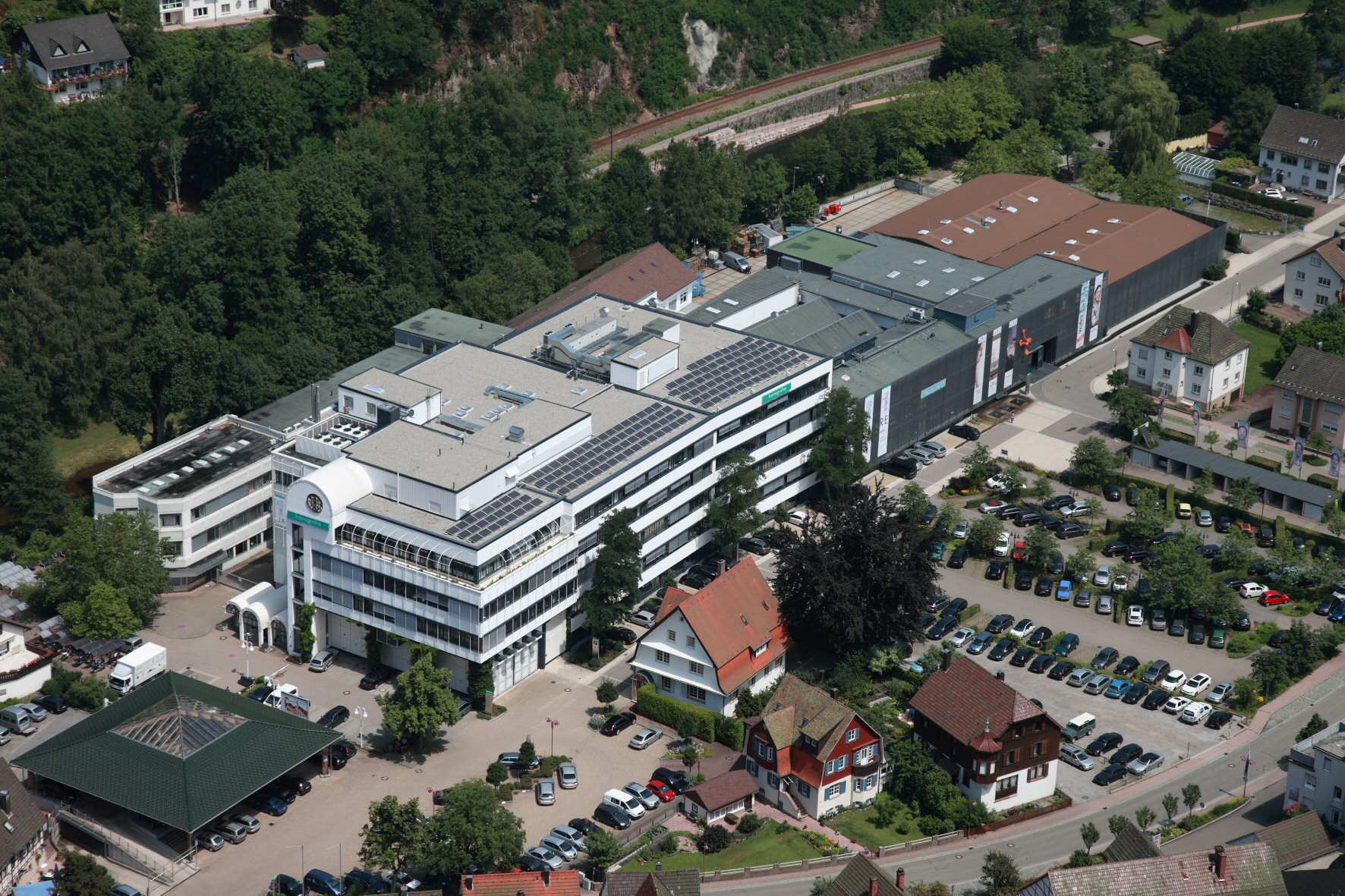 Hansgrohe Group_Schiltach_Aue01_med
