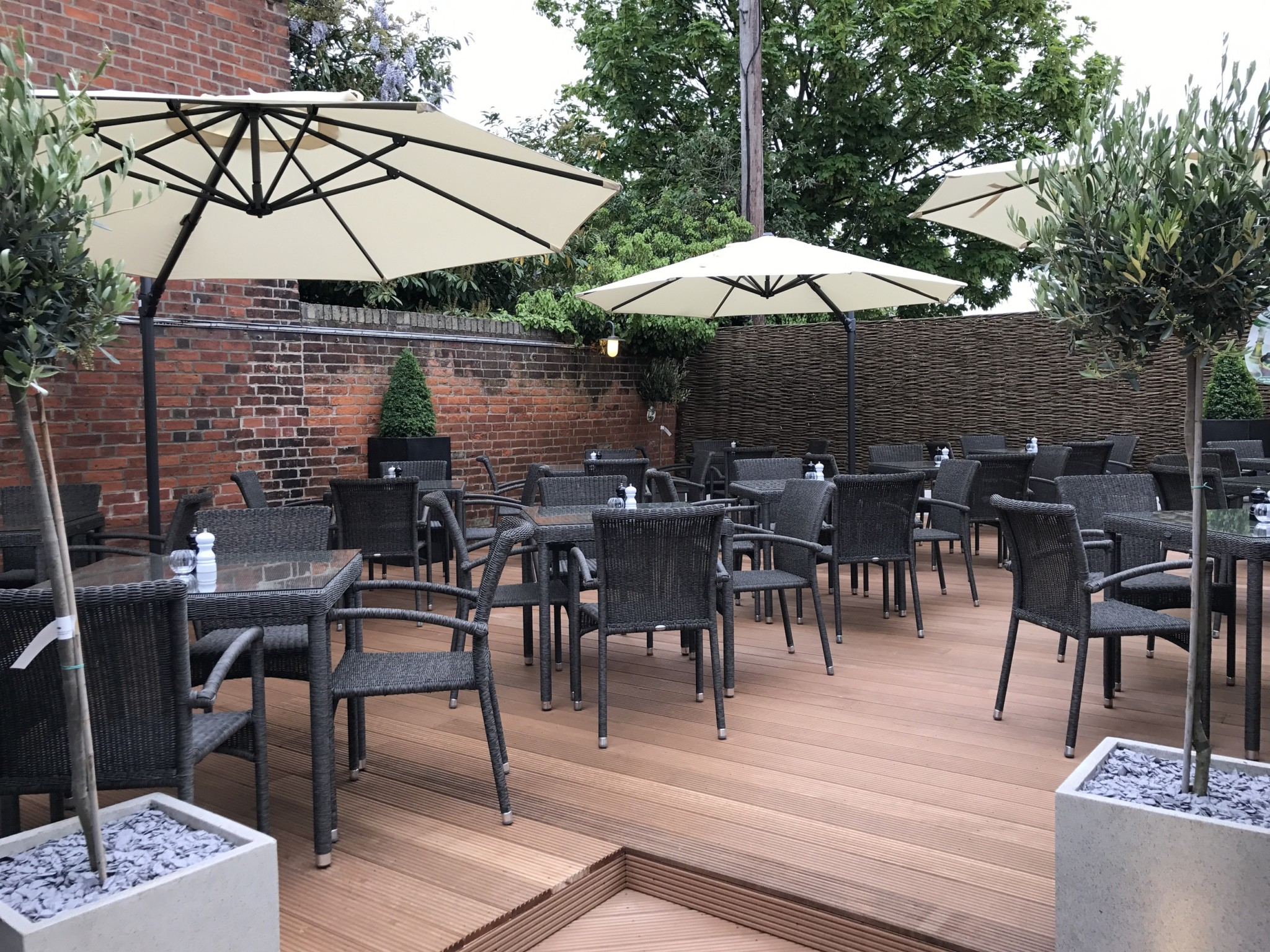 New drinking and dining terrace at The Crown at Woodbridge (med)