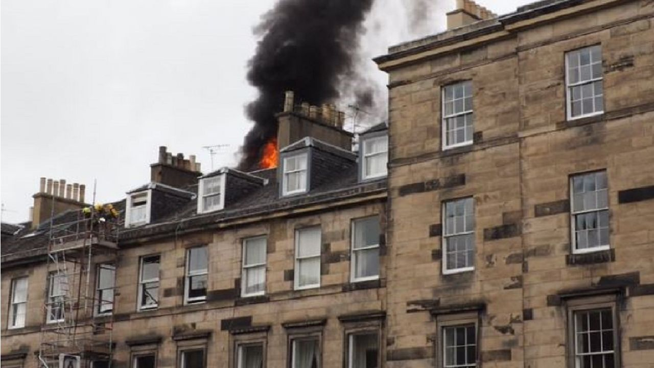 554587-edinburgh-fire