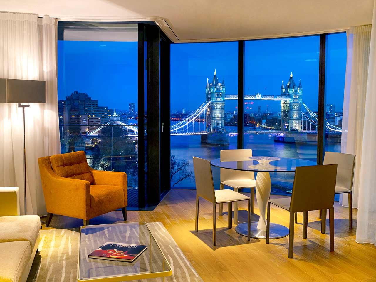 cheval-three-quays-deluxe-tower-view-two-bedroom-reception