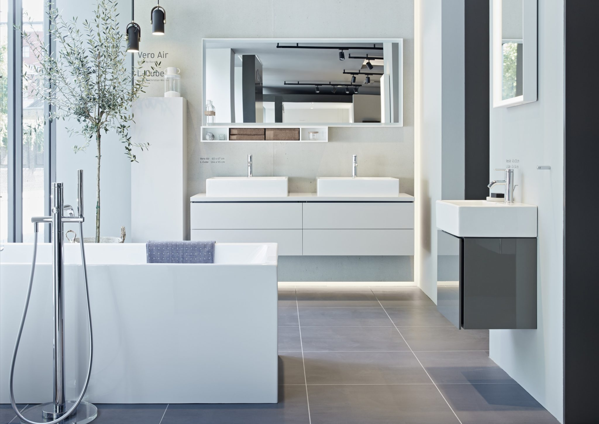 Leading bathroom manufacturer sets up shop in London to mark opening ...