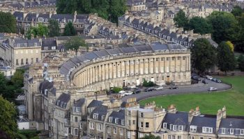 1008px-Royal.crescent.aerial.bath.arp