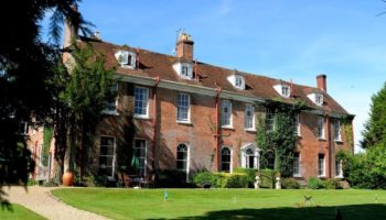 luxury-family-hotels-new-park-manor-new-forest-hotel-3
