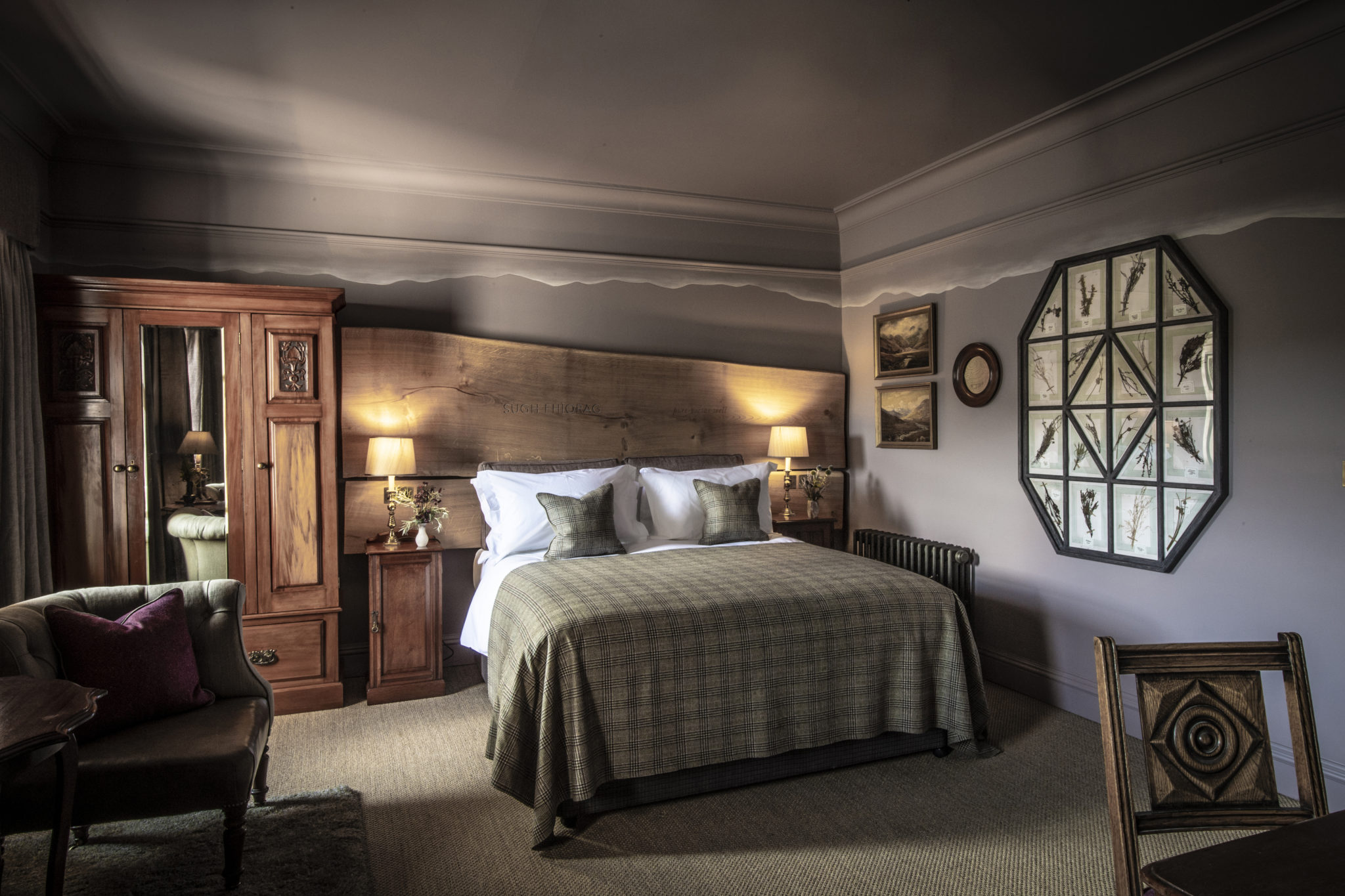 The Fife Arms – Sim Canetty-Clarke – The Heather Moor bedroom